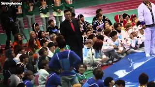 Fancam jungkook vs btob changsub   wrestling match @ mbc isac 2016