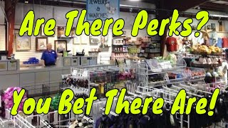 Are There Perks?  You bet there are! - Ep 19 Confessions of a Theme Park Worker