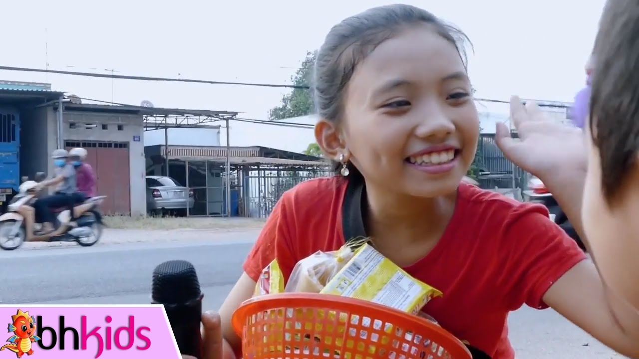 Vùng Lá Me Bay - Bé Phương Anh | Nhạc Vàng Bolero [MV]