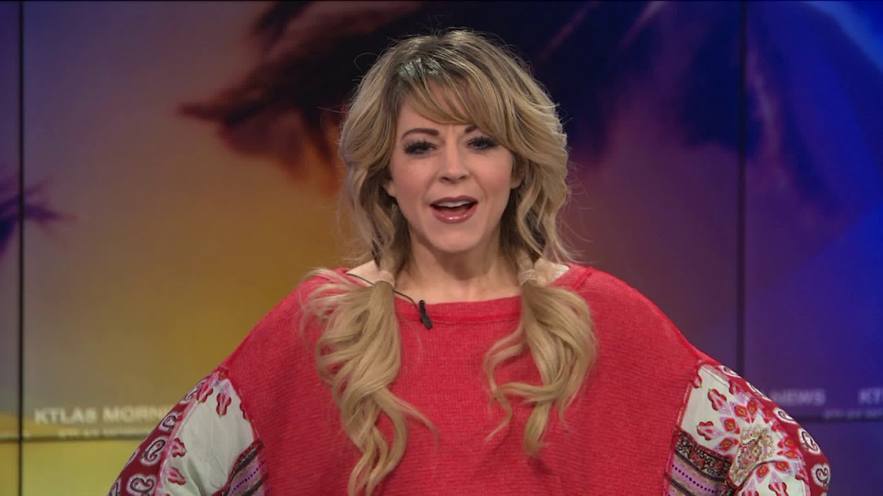 Lindsey Stirling Christmas Album.Lindsey Stirling Reacts To Her Christmas Album Becoming A Big Hit