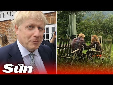 Boris Johnson repeatedly refuses to say when photo with girlfriend taken