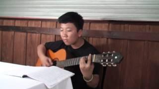 """Bé Tiến Lộc chơi guitar bài """"Tình yêu của tôi - Nhạc ngoại"""""""