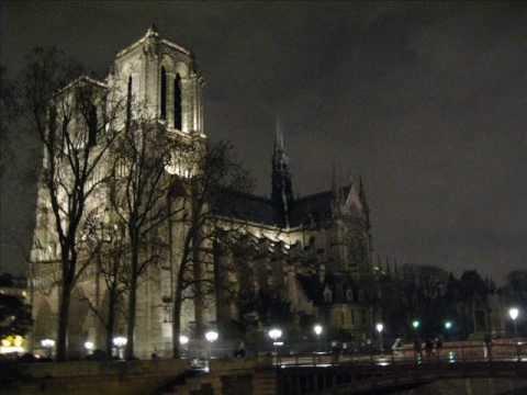 Paris de noche con m sica bien parisina paris at night for Biens atypiques paris