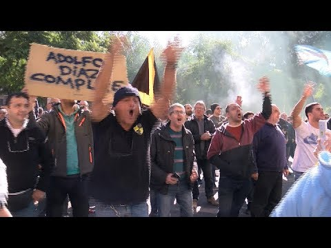 Taxistas protestan contra Uber frente al Palacio Lezama