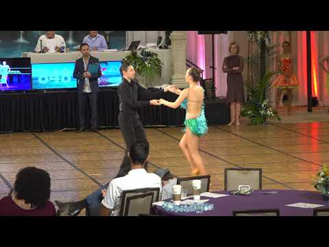 José Pablo & Brooklyn Divers perform the Swing at the 2018 Hawaii Star Ball