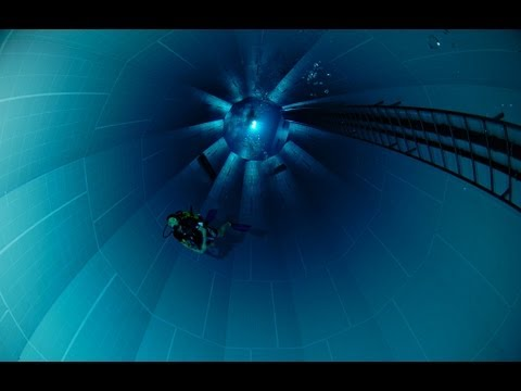 Nemo 33 World 39 S Deepest Swimming Pool Belgium Youtube
