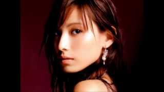 昨年11月に7歳年上の一般男性と結婚した女優、加藤あい(31)が1...
