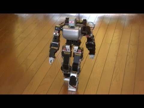 人間のような自然な歩き方をするロボット(Biped robot walks