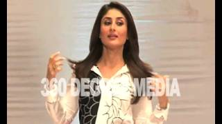 Hot Sexy Heroine Kareena Kapoor's photo op at Tarak Mehta Ka Ulta Chashma