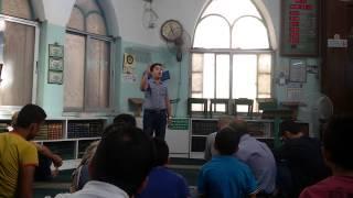 شاهد كيف ضرب القائم على المسجد الطفل عبد العزيز الصيفي وهو يتكلم عن المسجد الاقصى