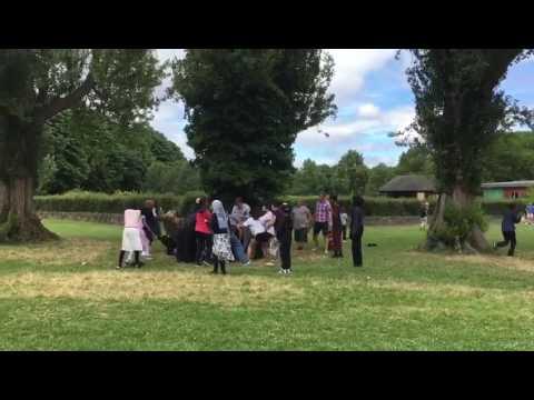 Somalian Bengali asians women fight in Ilford london