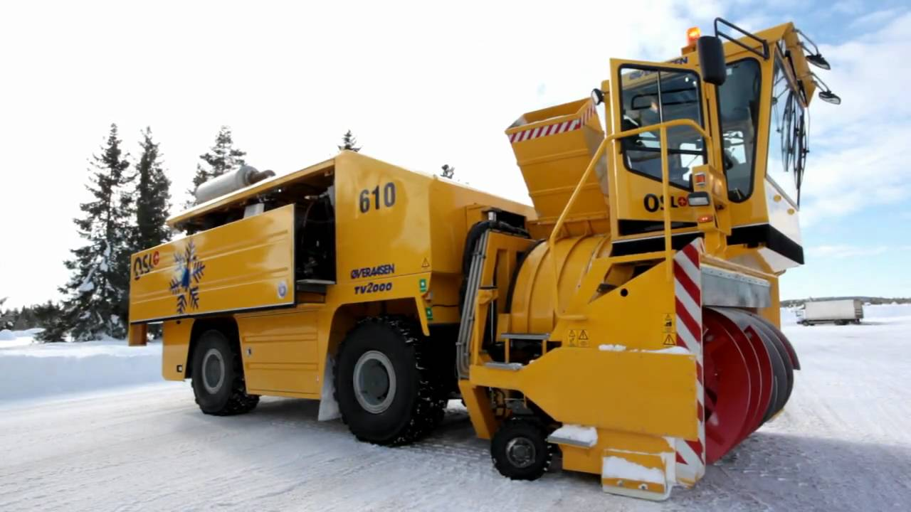 World's largest snow blower HD - YouTube
