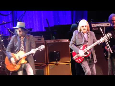 Last Dance With Mary Jane Tom Petty Prudential Center Newark, NJ 6/16/2017