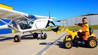 Het vliegtuig is afgebroken - Dima-rit op tractor en repareert vliegtuig