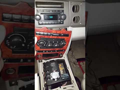 2006 Jeep Commander Information Center And Cluster Removal