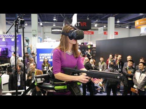 La plataforma Omni de Virtuix te permite moverte en un mundo de realidad virtual