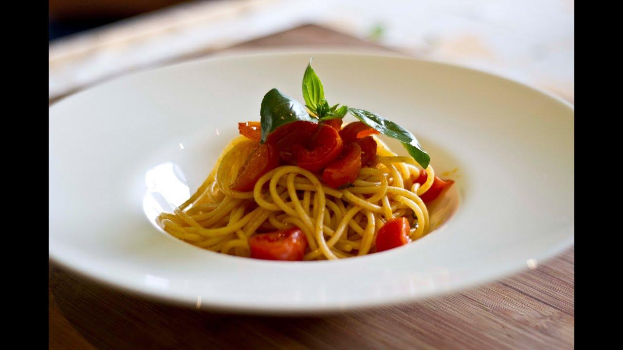 TheCookBooks - #1 Spaghetti al pomodoro - YouTube