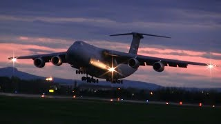 Lockheed C-5M Super Galaxy - Landing
