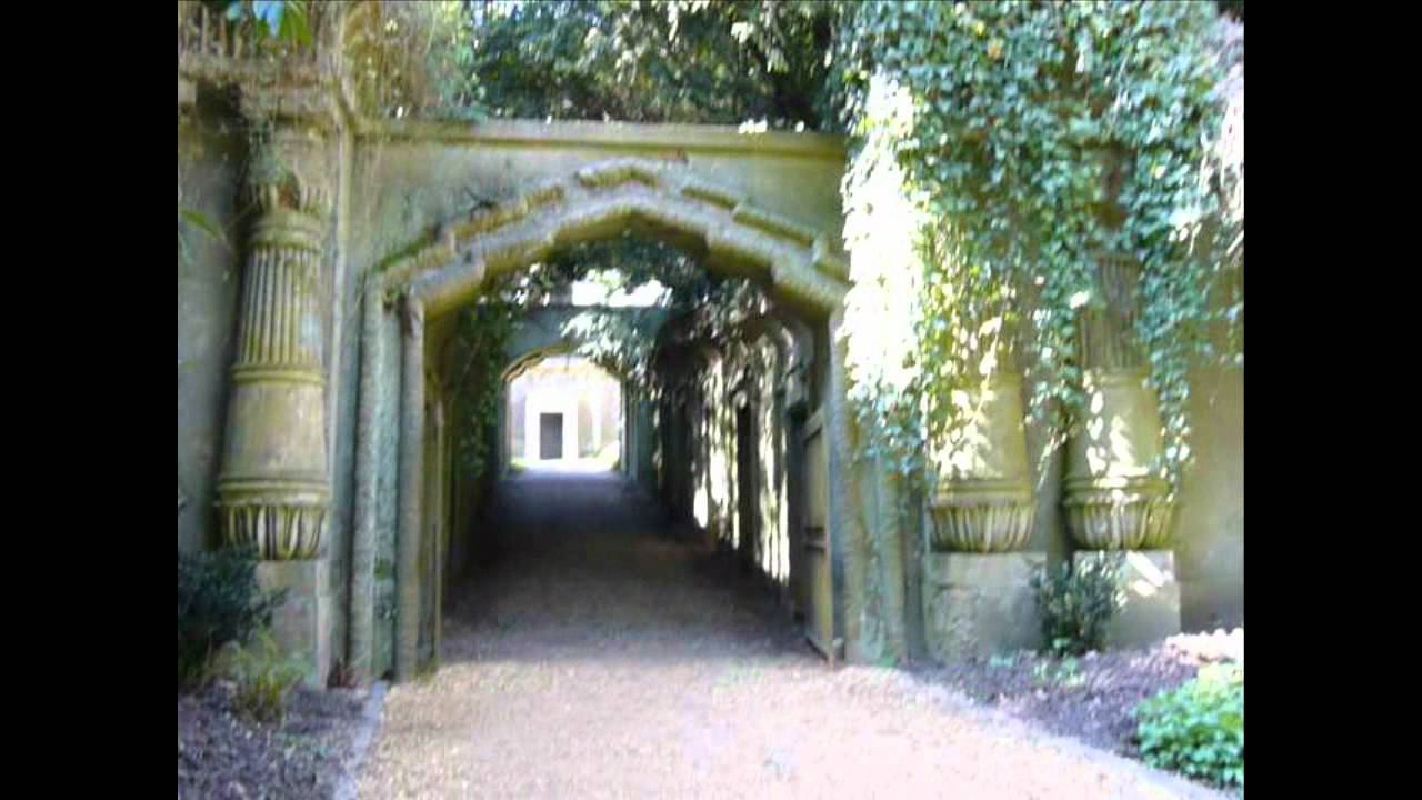 Highgate Vampire At Highgate Cemetery Youtube