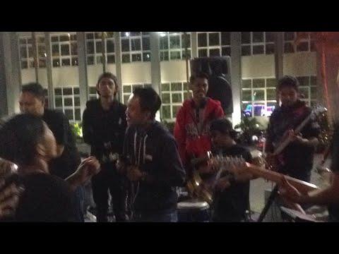 11 Tahun Tahu Brontak Live Balaikota Among Tani