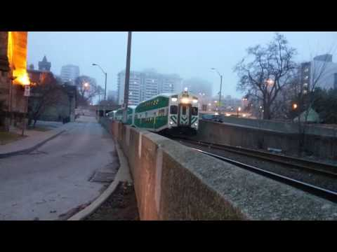 Go train entering hamilton station