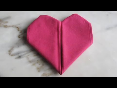 Pliage de serviette en tissu le coeur youtube - Pliage serviette coquillage ...