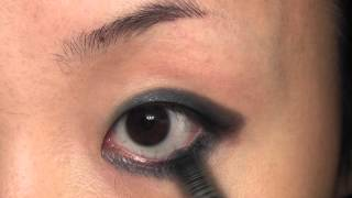 Dark Green Small Cat Eye Using Sleek Bad Girl 墨绿小猫眼妆 Thumbnail