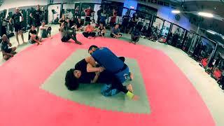 Adaptation à une kimura bloquée par l'adversaire. MMA