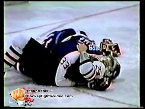 9293 Jason Coles vs Jason Clarke Windsor Spitfires vs Niagara Falls Thunder OHL