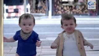 Реклама Эвиан с танцующими детишками. Эвиан, Виттель, Перье(Всеми любимая реклама минеральной воды Эвиан с танцующими детишками. Французскую минеральную воду Эвиан,..., 2015-10-15T07:21:01.000Z)