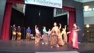 Kappa Malong-Malong - Dance of Mindanao - Filipinas Performing Arts of Washington