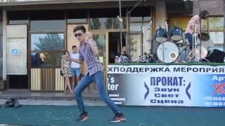 """Праздничный концерт в Корабельном районе (видео """"Корабелов.Инфо"""")"""