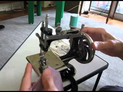 Singer Model 20 Vintage Toy Sewing Machine Youtube