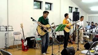地元のふれあいコンサートでの演奏です http://www7.ocn.ne.jp/~izumi/ ...