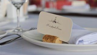 Украшение свадьбы цветами и тканями в ресторане Макрель