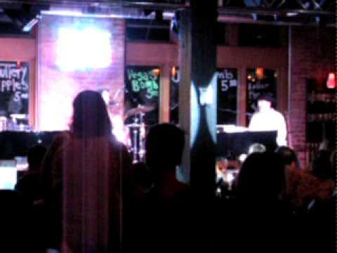 Michael Murphy's dueling piano bar-main