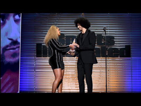 Beyonce Surprises Audience at 'Sports Illustrated' Awards