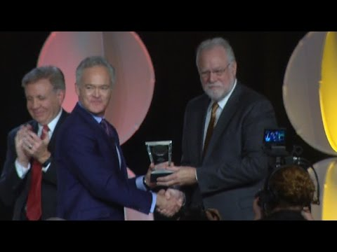 CBS News' Scott Pelley honored with Cronkite Award
