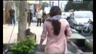 Repeat youtube video إيرانيات يتمردن بخلع الحجاب
