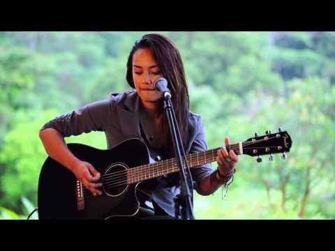 Ashley Lilinoe - Valerie (HiSessions.com Acoustic Live!)