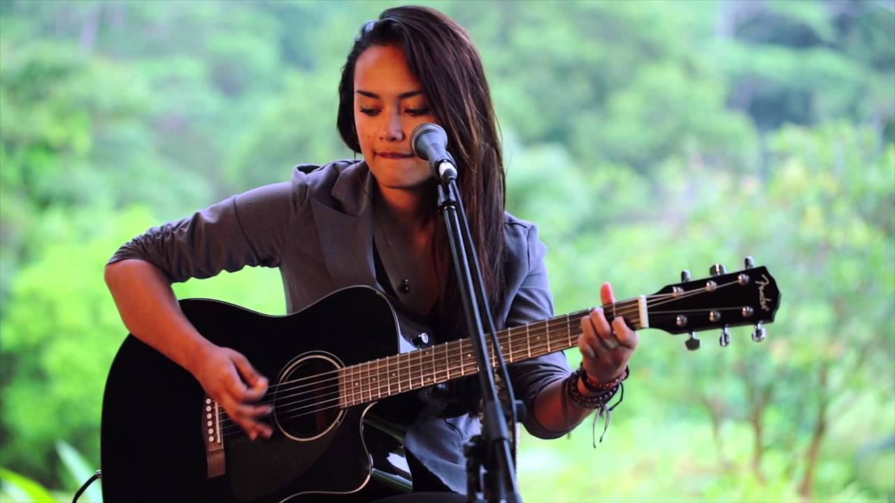 ashley-lilinoe-valerie-hisessionscom-acoustic-live-hisessions