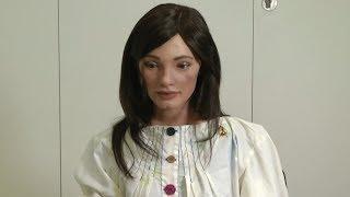 Первый в мире робот-художник