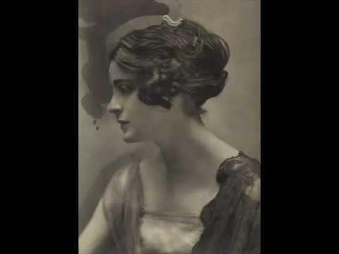 Harriet Cohen plays Brahms Intermezzo in B flat major, opus 76 no. 4