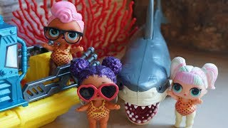 LOL SURPRISE DOLLS Go To A Water Park!