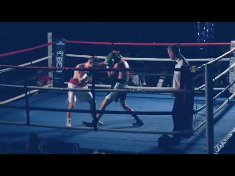 Des Newton Vs Liam Richards
