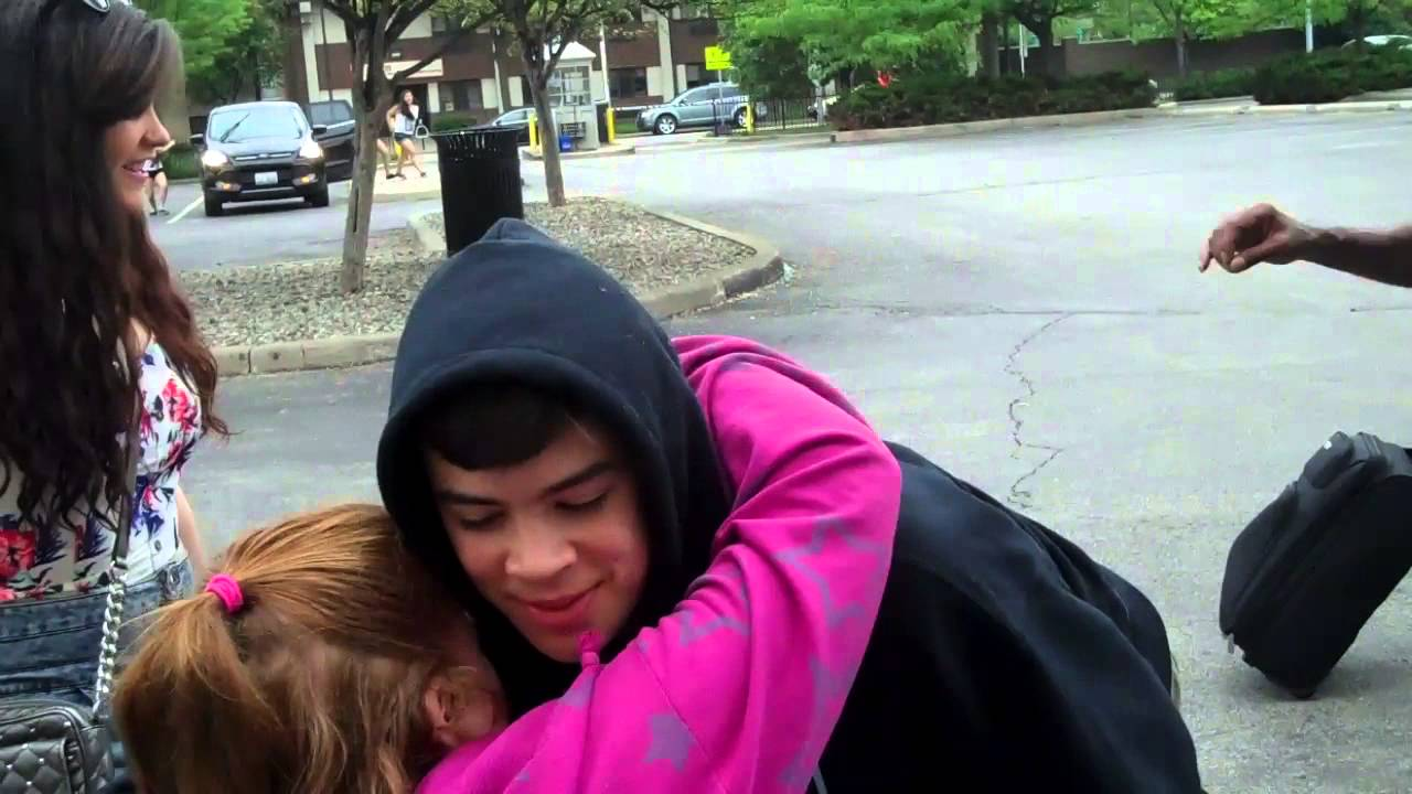 Katy bowersox and natalie yeoman hugging hayes grier youtube katy bowersox and natalie yeoman hugging hayes grier kristyandbryce Images