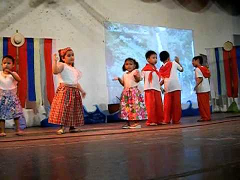 Ninay dancing Saranggola ni Pepe with Kindergarten students