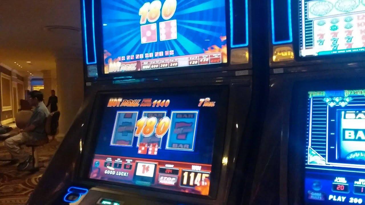 Hot roll slot machine las vegas casino ferber telephone