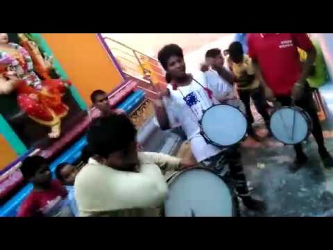 Sonu theen Mar bands