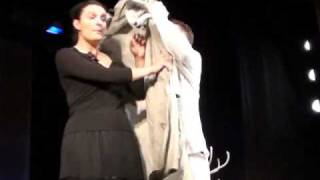 1 Сцена из спектакля Свободная пара